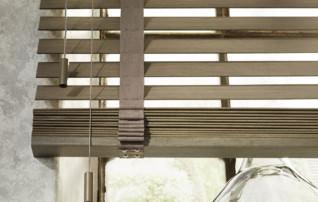 Detailansicht Holzjalousie mit textilem Leiterband
