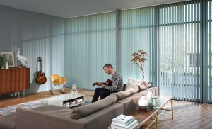 Vertikalanlage als Sichtschutz im Wohnzimmer